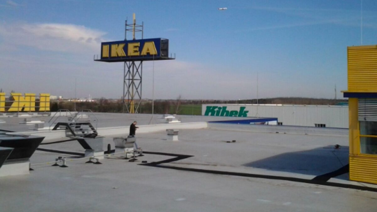 An Ikea store in Berlin installed Plastex Crossgrip PVC matting to mark out safe walkways on their rooftop