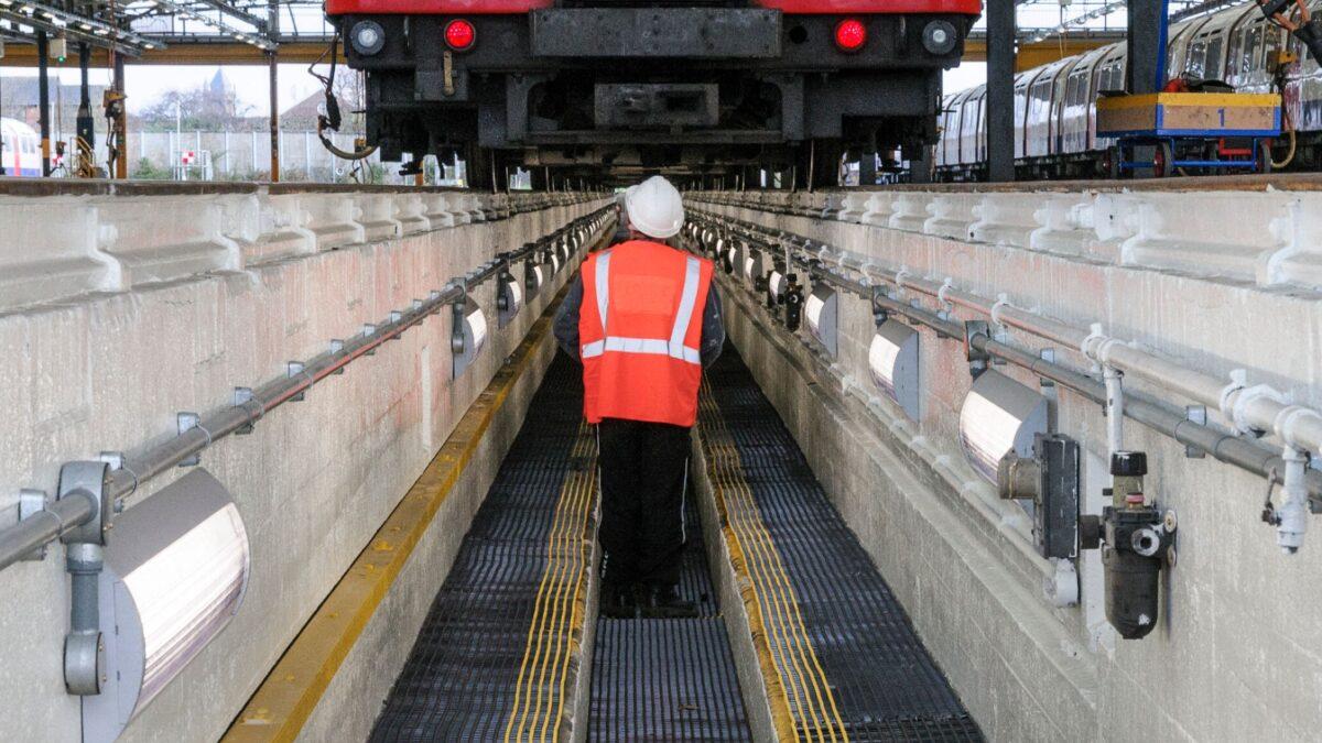 Plastex Trackgrip matting quickly dissipates debris at this London Underground depots, plus delineates safe working areas.