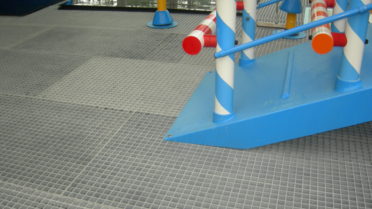 Specialist barefoot matting designed by Plastex covers the surface of the water playground at Camping de Paal in the Netherlands