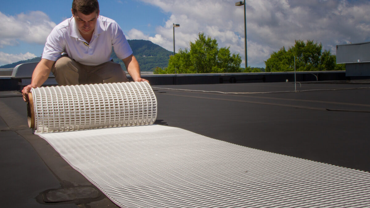 Crossgrip TPO can be loose laid with no fixing required