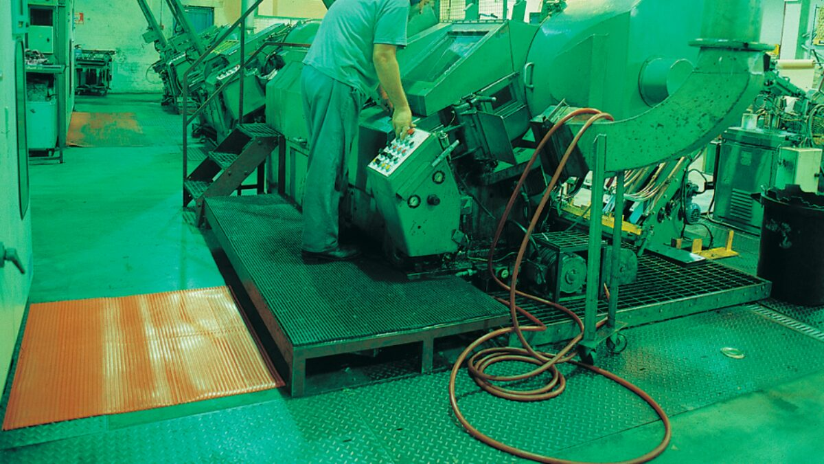 Flexi Ridge is ideal matting for standing work areas, production lines and packing stations.