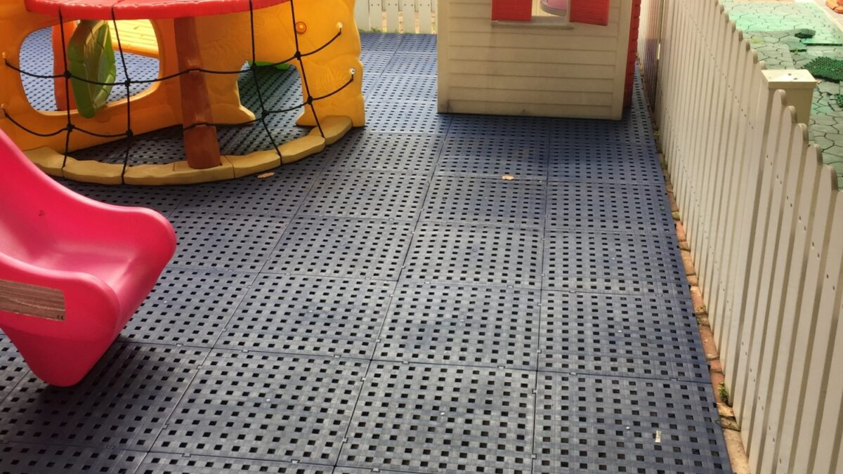 Plastex Grid's elevated height provides excellent drainage in this kids' playground.